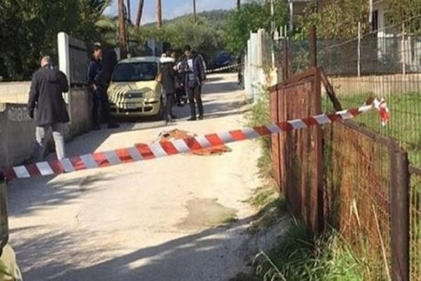 Κλίμα οδύνης στην κηδεία της 77χρονης που δολοφονήθηκε έξω από το σπίτι της!