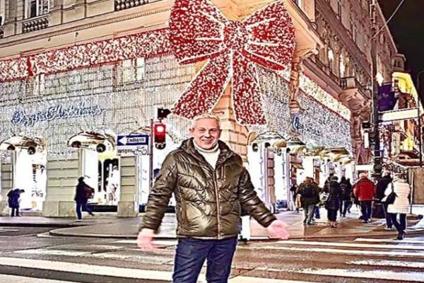 4+1 προτάσεις για Χριστουγεννιάτικο δώρο... ψυχής! Ο Τάσος Δούσης σας εύχεται καλά Χριστούγεννα από την μαγευτική Βιέννη!