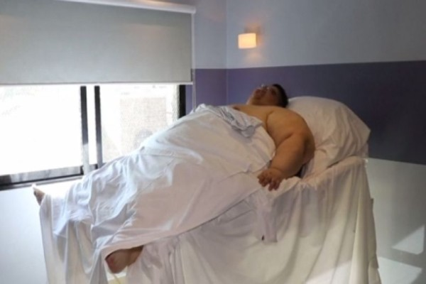 Άνδρας έχασε 330 κιλά! Σήμερα είναι αγνώριστος! (Video)
