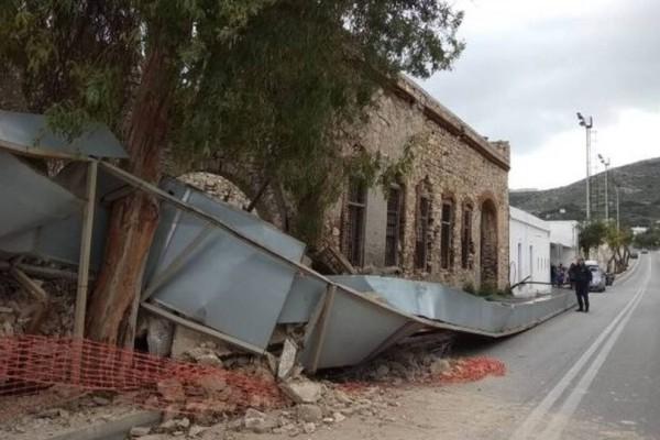 Σύρος: Κατέρρευσε τοίχος παλιού κτηρίου στην Ερμούπολη!