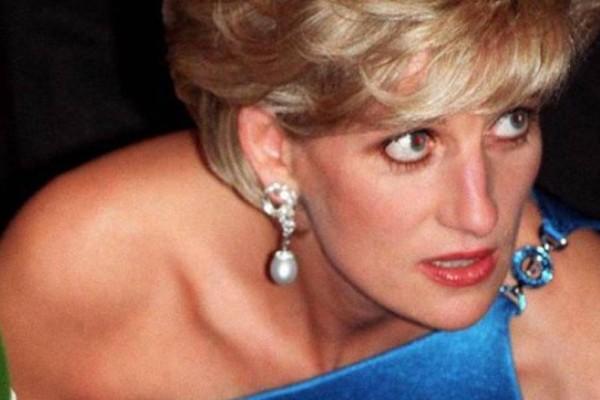 Πριγκίπισσα Νταϊάνα: Σοκάρουν οι φωτογραφίες από τον τάφο της σήμερα!