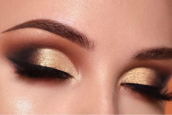 Αυτό είναι το απόλυτο μακιγιάζ σε χρυσές αποχρώσεις για το ρεβεγιόν της Πρωτοχρονιάς!