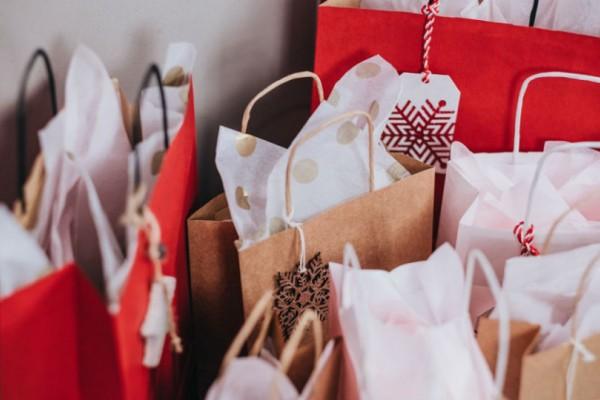 Ανοιχτά σήμερα, Κυριακή τα καταστήματα!