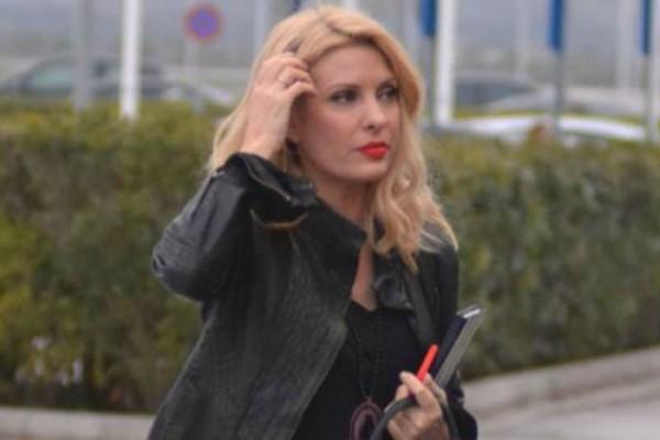 Ελένη Μενεγάκη: Δεν θα πιστεύετε τι φόρεσε! Πήγε για ψώνια με μπλούζα αξίας 140 ευρώ!
