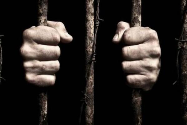 Σοκ! Πατέρας κρατούσε τα έξι παιδιά του κλειδωμένα στο σπίτι για 14 ολόκληρα χρόνια!