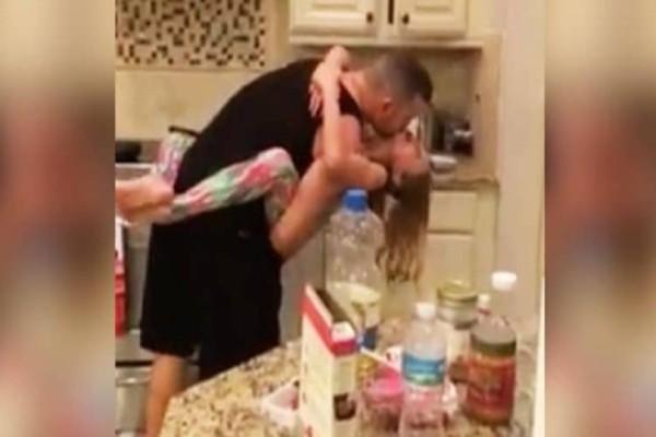 Η μαμά νομίζει ότι ο μπαμπάς και η κόρη ετοιμάζουν πρωινό -  Όταν βλέπει αυτό, μένει άναυδη!