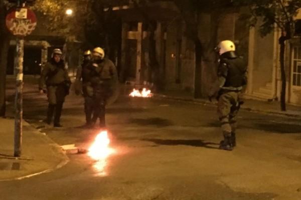 Επέτειος Γρηγορόπουλου: Φωτιά κοντά στην πλατεία των Εξαρχείων!