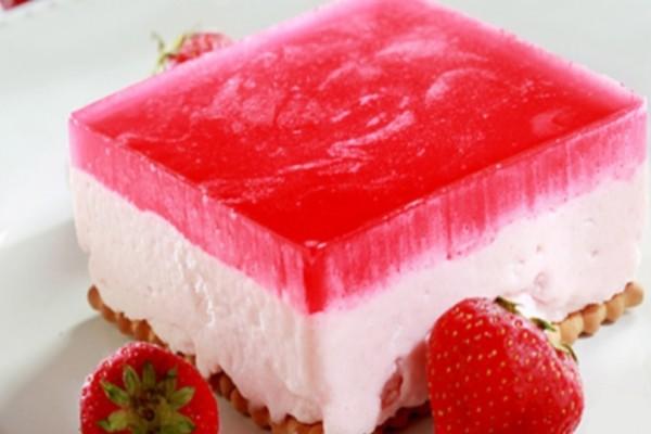 Φραουλογλυκό ψυγείου με γιαούρτι και ζελέ!