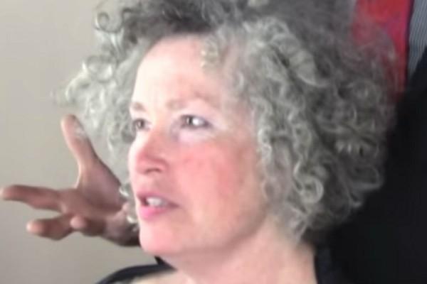 Αυτή η γιαγιά έκανε μια ολική μεταμόρφωση. Όταν γύρισε σπίτι τα παιδιά της δεν την γνώρισαν!