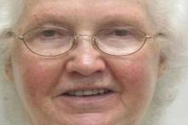 Σατανική γιαγιά ψάχνει για μοναχικούς άνδρες! Όταν τους βρει κάνει κάτι το... αποτρόπαιο!