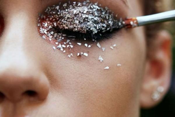 Το μακιγιάζ που θα σε κάνει να λάμψεις στο Πρωτοχρονιάτικο ρεβεγιόν!