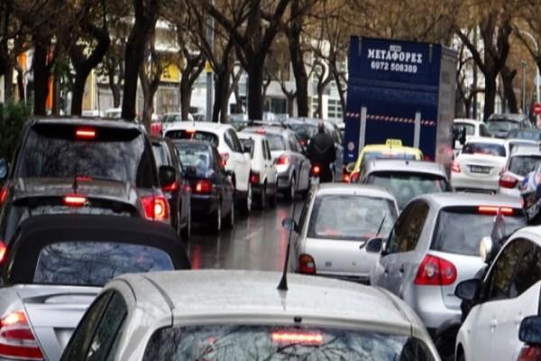 Απίστευτο μποτιλιάρισμα στην Αθήνα από την κακοκαιρία: Ποιους δρόμους να αποφύγετε; (photo)