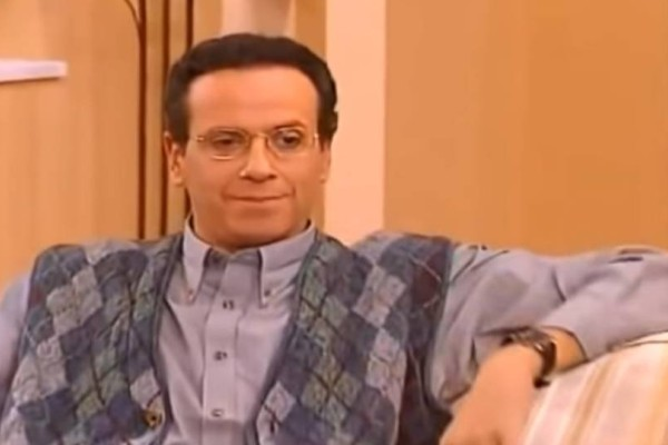 Κωνσταντίνου και Ελένης: Ο Κατακουζηνός αποφασίζει να ανοίξει την τηλεόραση! Τότε εμφανίζεται κάτι που δεν το είχαμε δει 20 χρόνια τώρα!