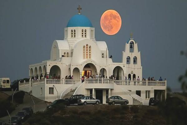 Ο επιβλητικός Ιερός Ναός του Προφήτη Ηλία στο Λαύριο που σε ένα μαγευτικό βίντεο με drone!