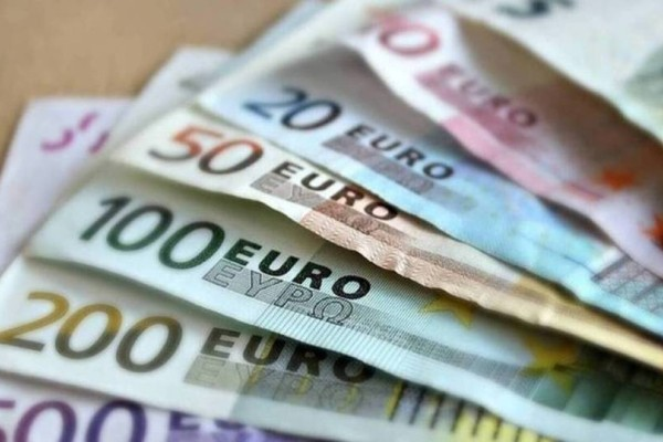 Κοινωνικό Μέρισμα 2019: Σήμερα 700 ευρώ στους λογαριασμούς σας!