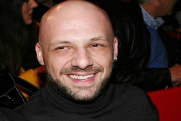 Νίκος Μουτσινάς: Αυτή είναι η γυναικά που είναι πάντα στο πλευρό του αλλά δεν εμφανίζεται ποτέ μαζί του!