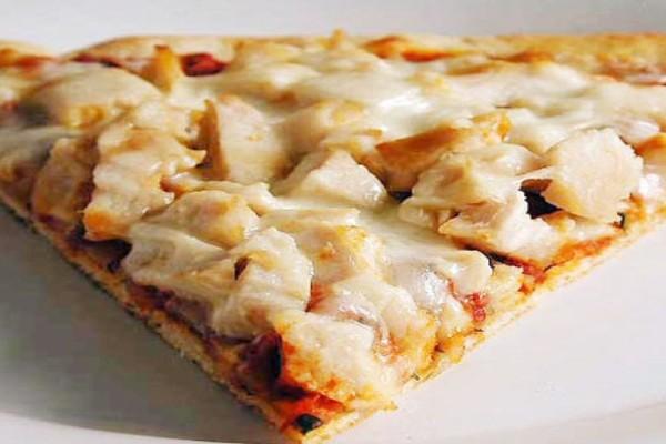 Συνταγή για πίτσα με γαλοπούλα! Έτοιμη σε 10 λεπτάκια!