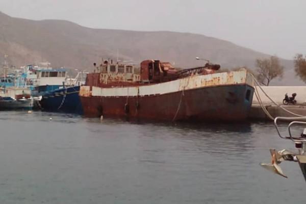 Κάλυμνος: Βυθίστηκε πλοίο στο λιμάνι!