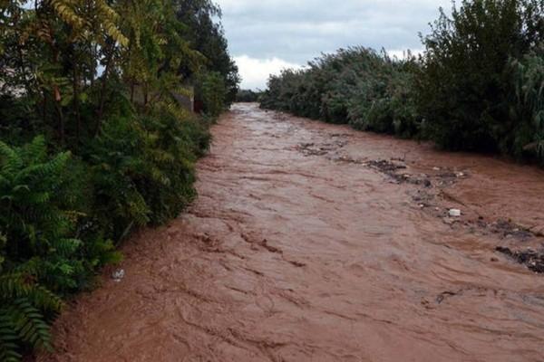 Αχαΐα: Yπερχείλιση του ποταμού Πείρου! Άγγιξε τα όρια ασφαλείας!