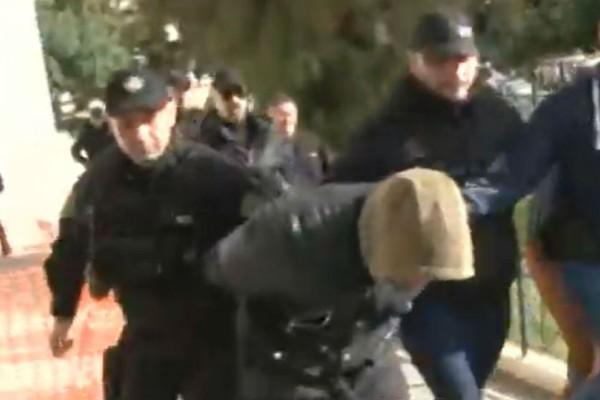 Έγκλημα στους Αγίους Θεοδώρους: Στον εισαγγελέα οι δύο Ρομά που σκότωσαν την 73χρονη!
