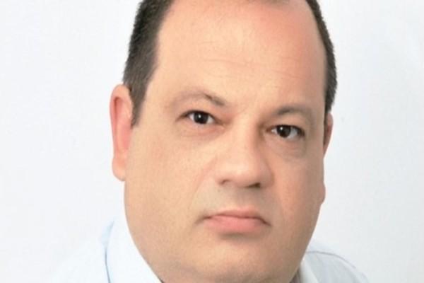 Θρίλερ για πασίγνωστο Έλληνα δημοσιογράφο! Αγνοείται ο γιος του!