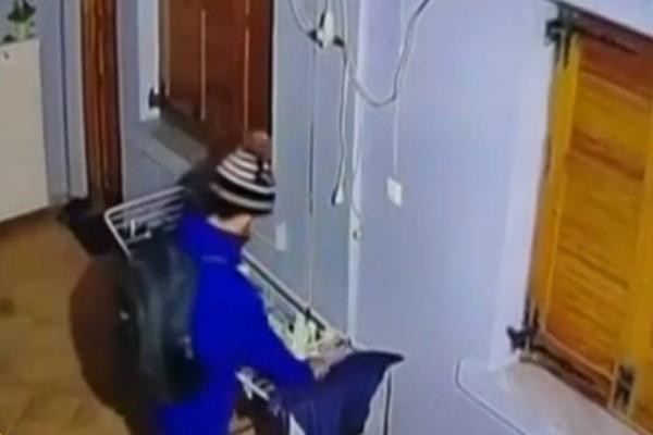 Θεσσαλονίκη: Ανέβηκε στο μπαλκόνι και έκλεψε την μπουγάδα! (video)
