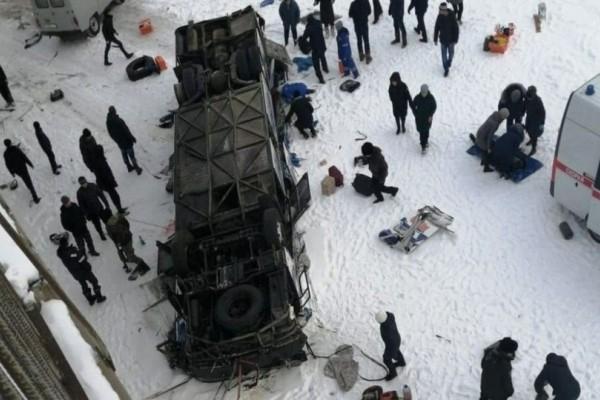 Φρικτό τροχαίο στη Ρωσία: 19 νεκροί, 21 τραυματίες! (photo-video)