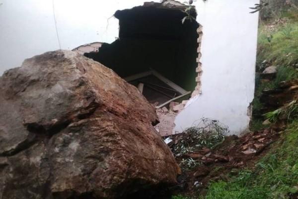Καταστροφή στην Άρτα! Σπίτι διαλύθηκε από κατολίσθηση βράχου!
