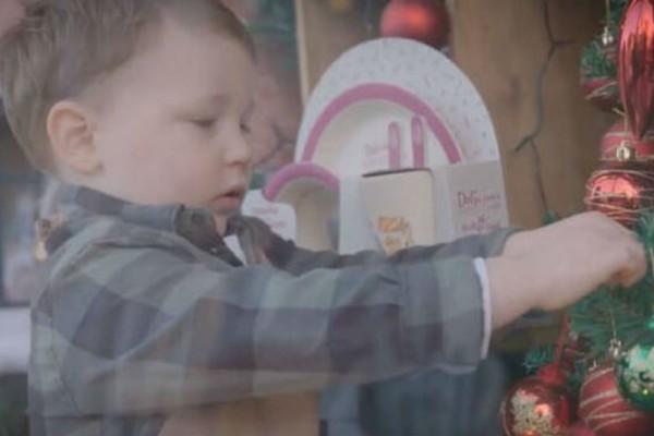 Η οικονομικότερη Χριστουγεννιάτικη διαφήμιση που έγινε viral!