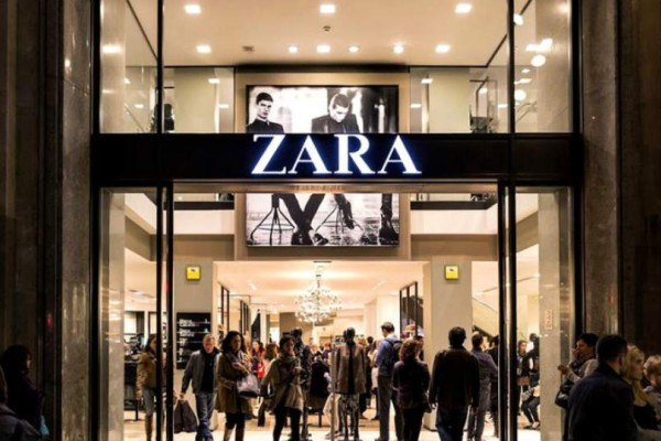 ZARA: Βρήκαμε το φόρεμα από μαλλί μερίνο που πρέπει να αγοράσετε!