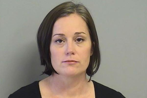 Σοκ: Συνελήφθη δασκάλα! Έκανε έρωτα με μαθητή της και συμμετείχε και μια φίλη της!