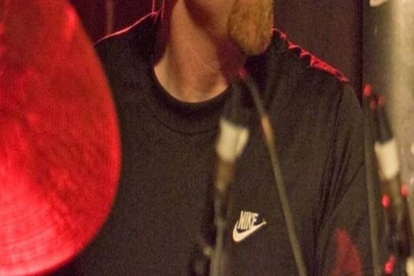 Θρήνος στον κόσμο της μουσικής: Πέθανε γνωστός καλλιτέχνης! (photo)