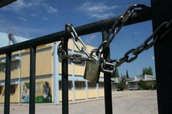 Σοκ στη Θεσσαλονίκη! Συμμορία 4 ατόμων επιτίθεται σε μαθητές! (video)