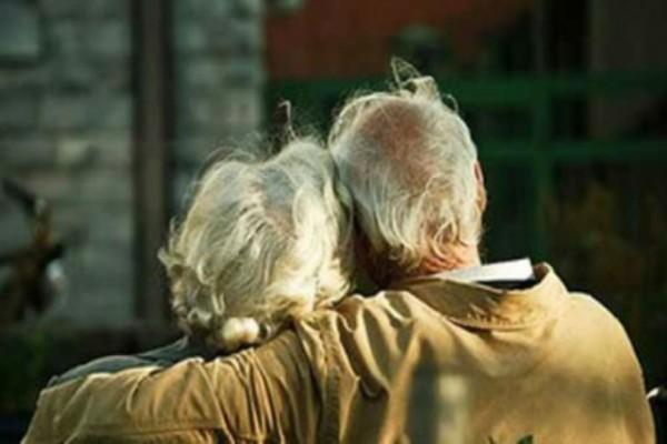 Η γιαγιά, ο παππούς και τα... ρούχα: Το ανέκδοτο της ημέρας (04/01)!