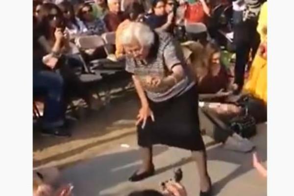 Λεβέντισσα 80χρονη γιαγιά χορεύει ζεϊμπέκικο στον Καναδά και καταχειροκροτείται!