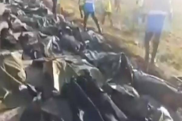 Συντριβή Boeing 737: Βίντεο σοκ με την περισυλλογή των πτωμάτων του μοιραίου αεροπλάνου!