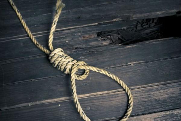 Συναγερμός στη Θεσπρωτία: Γυναίκα κρεμάστηκε στην αυλή του σπιτιού της!