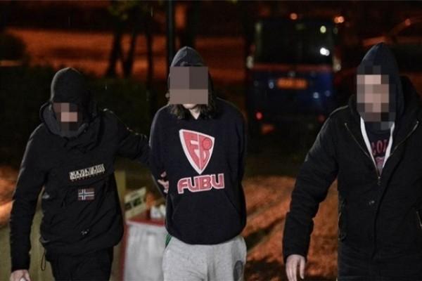 Έγκλημα στα Πετράλωνα: Ραγδαίες εξελίξεις με τον 21χρονο για τον φόνο του νονού του!