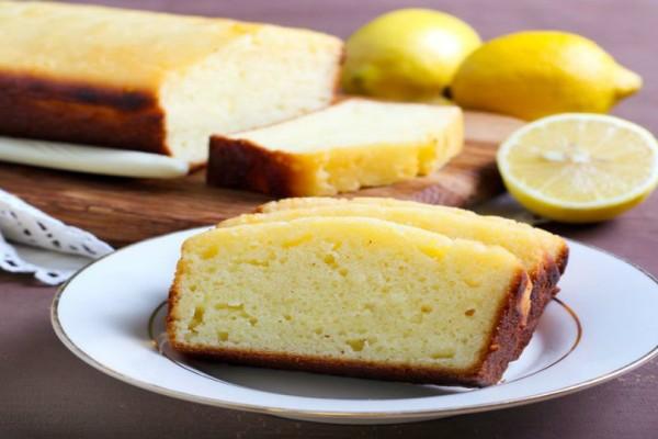 Φτιάξτε αυτό το κέικ με λεμόνι αντί για βούτυρο και... θα ξετρελαθείτε με το αποτέλεσμα!