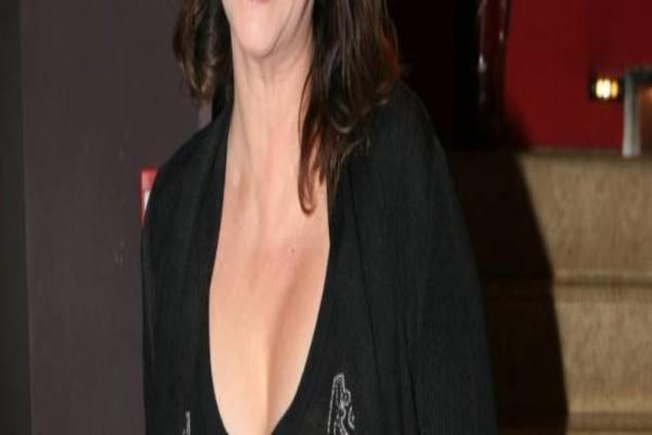 Δύσκολες ώρες για γνωστή Ελληνίδα ηθοποιό! Τι συνέβη;