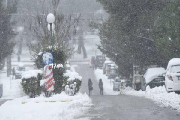 Έκτακτο δελτίο επιδείνωσης καιρού από την ΕΜΥ: Έρχονται καταιγίδες και χιόνια!