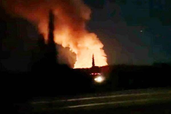 Συναγερμός στην Κόρινθο: Φωτιά σε εργοστάσιο ανακύκλωσης!