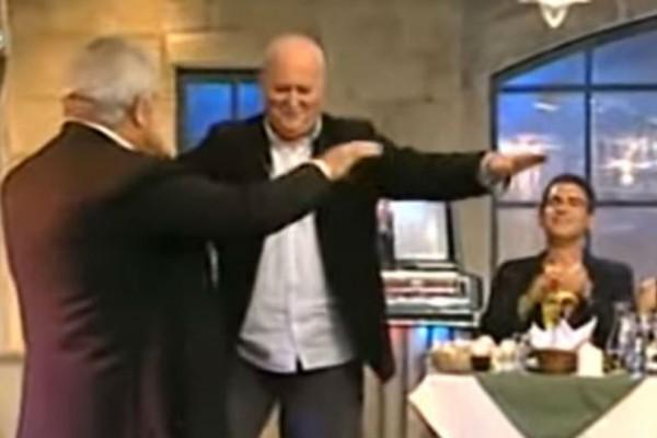 Έπος: Ο Γιώργος Παπαδάκης χορεύει τσιφτετέλι και αποθεώνεται! Το βίντεο έχει 1.580.266 προβολές!