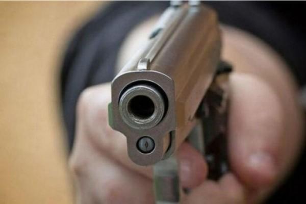 Σοκ! Καρέ καρέ η δολοφονία μιας 45χρονης από αστυνομικό!