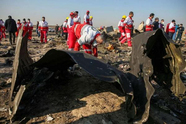 Συντριβή Boeing 737: Επιμένουν στο ενδεχόμενο μηχανικής βλάβης! Τι αναφέρει η πρώτη έκθεση της επιτροπής διερεύνησης;