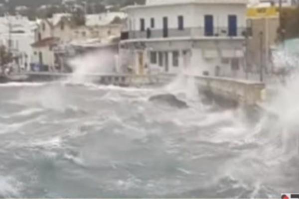 H κακοκαιρία «Ηφαιστίων» «κατάπιε» Πάρο και Χανιά! (Video)