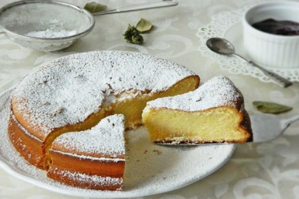 Αφράτο κέικ με ζαχαρούχο γάλα και άλλα 4 υλικά!