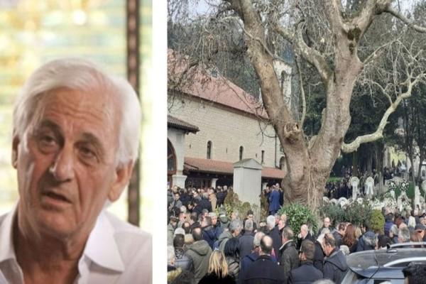Συντετριμμένοι συγγενείς και φίλοι στην κηδεία του επιχειρηματία Θεόδωρου Νιτσιάκου! (photos)
