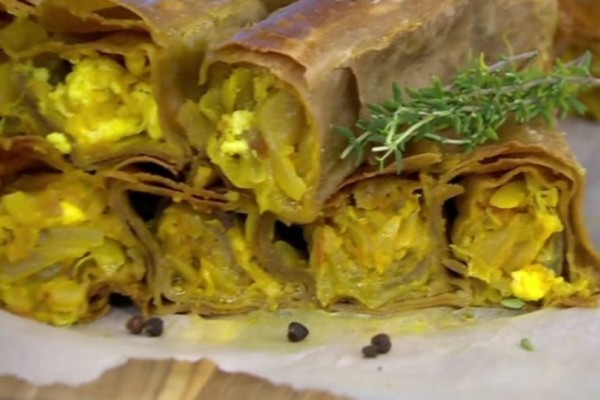 Κρεμμυδόπιτα με μπέικον και χωριάτικο φύλλο ολικής! (video)
