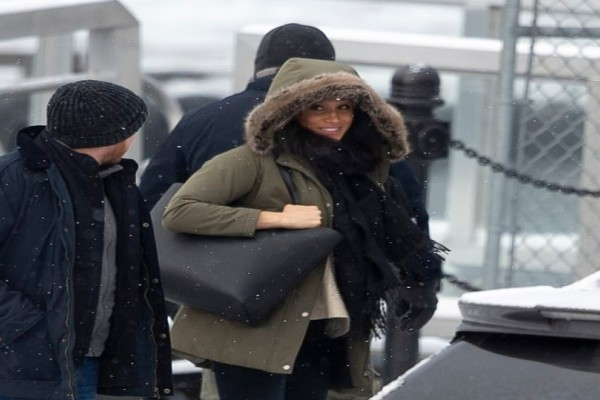 Η Μέγκαν Μάρκλ με ένα απλό τζιν και παλτό στον Καναδά!
